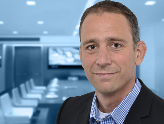 Portrait von Thomas Schmit, dem Inhaber der Firma smartPharma.